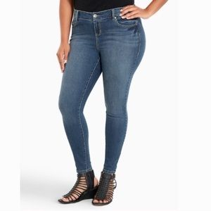 Torrid Mid Rise Skinny Jeans Classic Plus